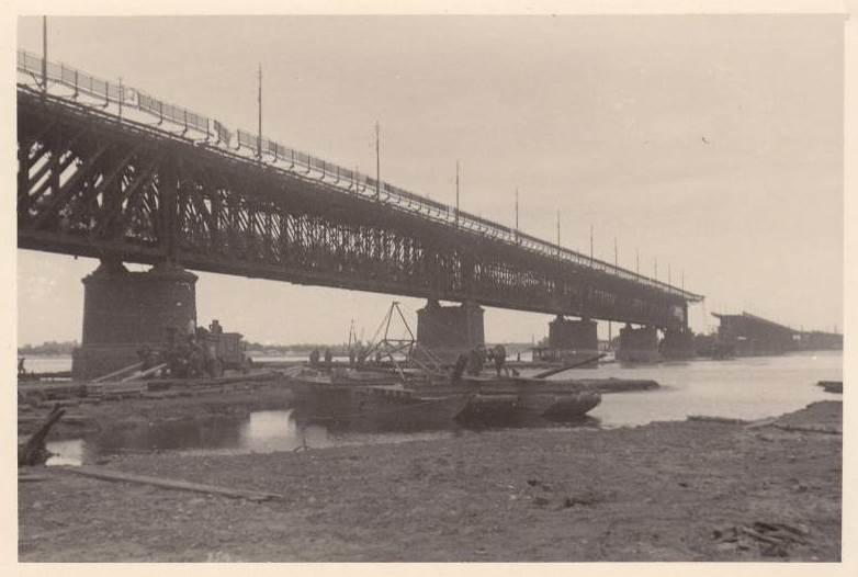 Разрушенный Амурский мост