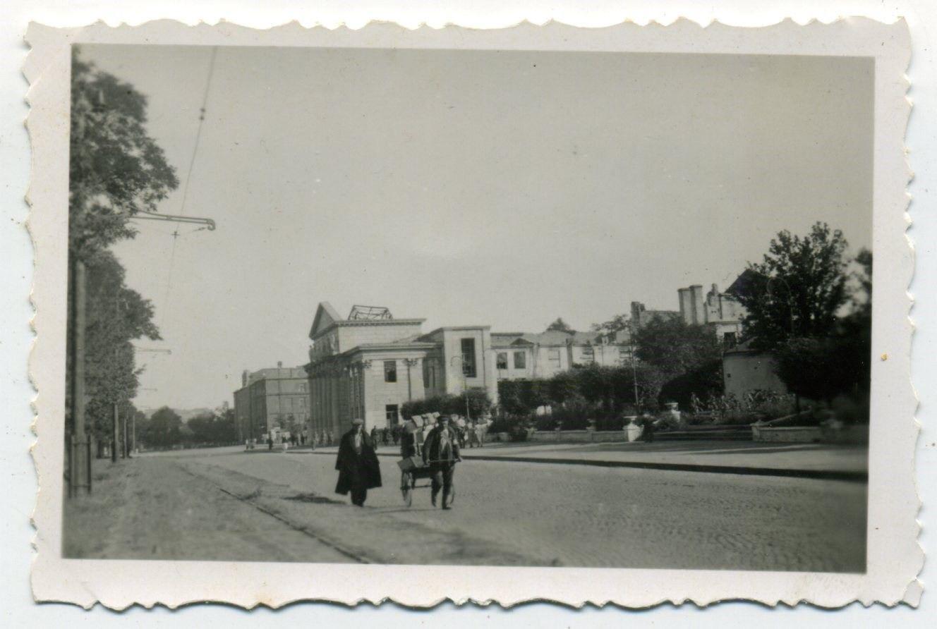 театр Горького 1942